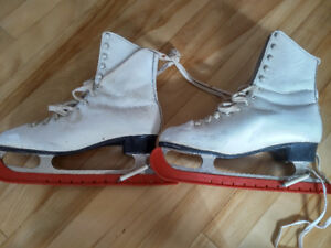 Womens ice skates, size 8 narrow