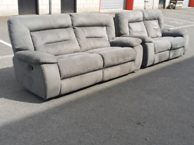 Grey Recliner 2&3 Seater Sofas (🤩excellent condition)