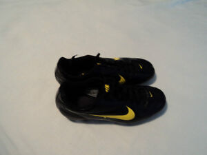 BRAND NEW SCOCEER    SHOES