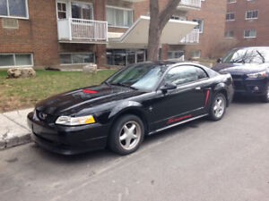 Classic 2000 Ford Mustang V6 3.8L Coupe (2 door)