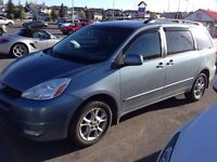 2004 Toyota Sienna LE AWD - backup camera, DVD player $4800