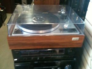 Vintage TOSHIBA turntable... Serviced and Warrantied...