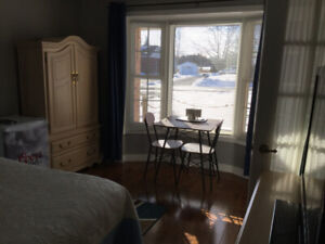 ROOM FOR RENT IN NAPANEE ~ WORKING TRADESMEN