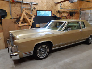 1979 Lincoln continental two door gold  low miles
