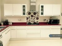 3 bedroom house in Southbourne Gardens, Ilford, IG1 (3 bed) (#1081973)