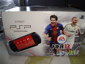 PSP STREET LIMITED EDITION FIFA 13 BRAND NEW