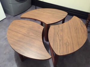 3 piece coffee table, can be clipped together