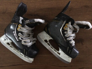hockey skates bauer supreme one.9           size 10.5 D