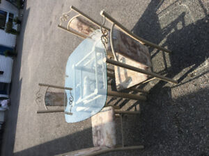 small table with 4chairs