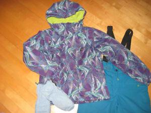 Bel ensemble de neige Gr 10 ans Manteau + Salopette très chaud