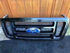 Original Ford F-150 front grill gloss black 2004-2008