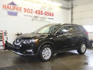 2018 NISSAN ROGUE with Heated Seats & Remote Start!