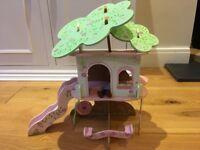 Rosebud treehouse