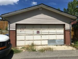 Double detached garage in Whitehorn, NE