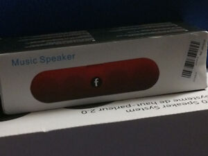 Pill style blootooth speaker (NEW)