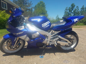 2000 yamaha r1 in great condition