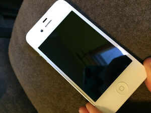 White iPhone 4s excellent condition Kitchener / Waterloo Kitchener Area image 1