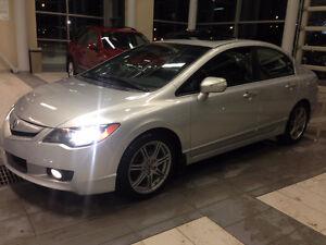 Acura CSX TECH GPS + CUIR 2009 **négociable**