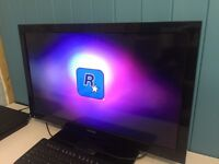 EXCELLENT CONDITION TOSHIBA 1080P TV, TOUCH SCREEN BUTTONS!