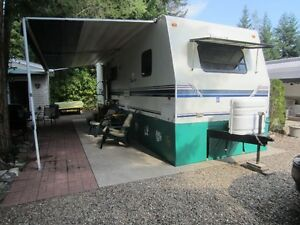 Sunny Scotch Creek – RV for rent in 5 star resort - Perfect Vaca
