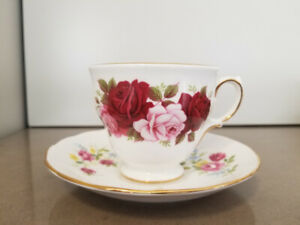 Queen Anne Teacup, Red and Pink Roses, Vintage Tea cup and Sauce