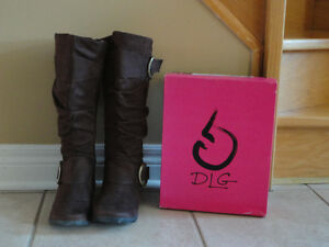 DLG Women's brown suede fashion winter boots Size 6.5 Like new London Ontario image 1