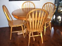 Oak Pedestal Dining Table with leaf and 4 chairs
