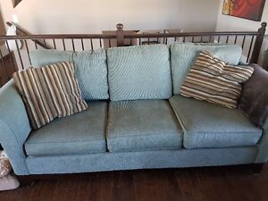 Lazy Boy Couch and Love Seat - Excellent Condition