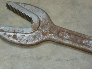 railway bar and old pipe wrench Belleville Belleville Area image 5