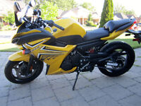 Yamaha FZ6r in mint condition