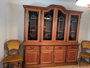 Italian solid wood hutche and table, chairs included