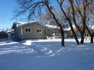 1971 Bungalow-Completely Renovated in Montmartre, SK