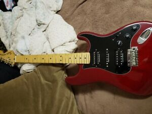 FENDER USA DELUXE RED HSH STRAT