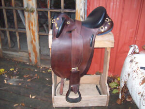 Australia Saddle With Bridle and Saddle Pad with bags