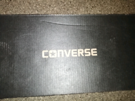 Converse trainers unisex size 8