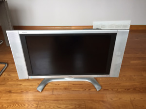 TV Sharp Aquos 32in LCD HDTV - 125$ OBO