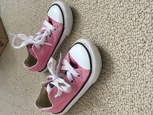 Toddler size 6 pink Converse runners