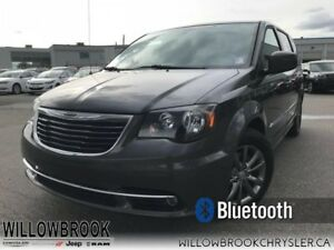2015 Chrysler Town  Country S