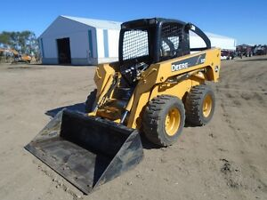 2004 Deere Skid steer