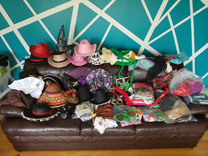 Very large quantity of costumes kids - adults Bargain Price!