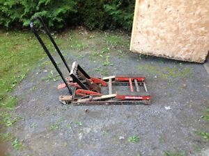motorcycle lift for 75.00
