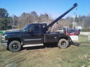 2002 GMC Sierra 3500 HD towing avec VULCAN 881