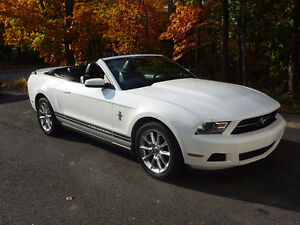 2010 Ford Mustang Pony édition Cabriolet