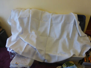 """Embroidery Fabric 5' 1/2 x 3' 8"""" - white"""