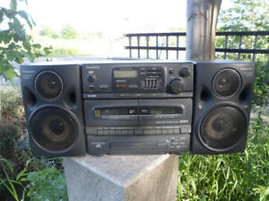 Panasonic RX-DT670 S-XBS Boombox Ghettoblaster CD EQ AM/FM Radio