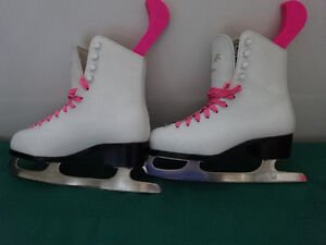 CCM and Bauer Skates from sizes 1 to 4 Cornwall Ontario image 8