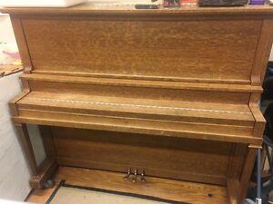 Willis Upright Piano *FREE*