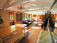 5 bedroom cottage indoor pool. 1.15 hr from TO