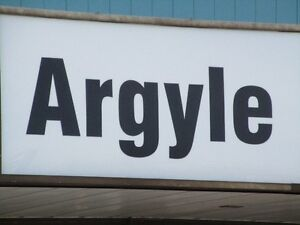 ARGYLE MALL AREA >>> ROOM for (1) male (can pay wkly/mo.)