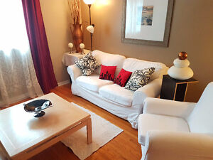 TRIPLE SET LIVING ROOM EXTRAVAGANZA! 2 COUCHES + WOOD TABLE + OR